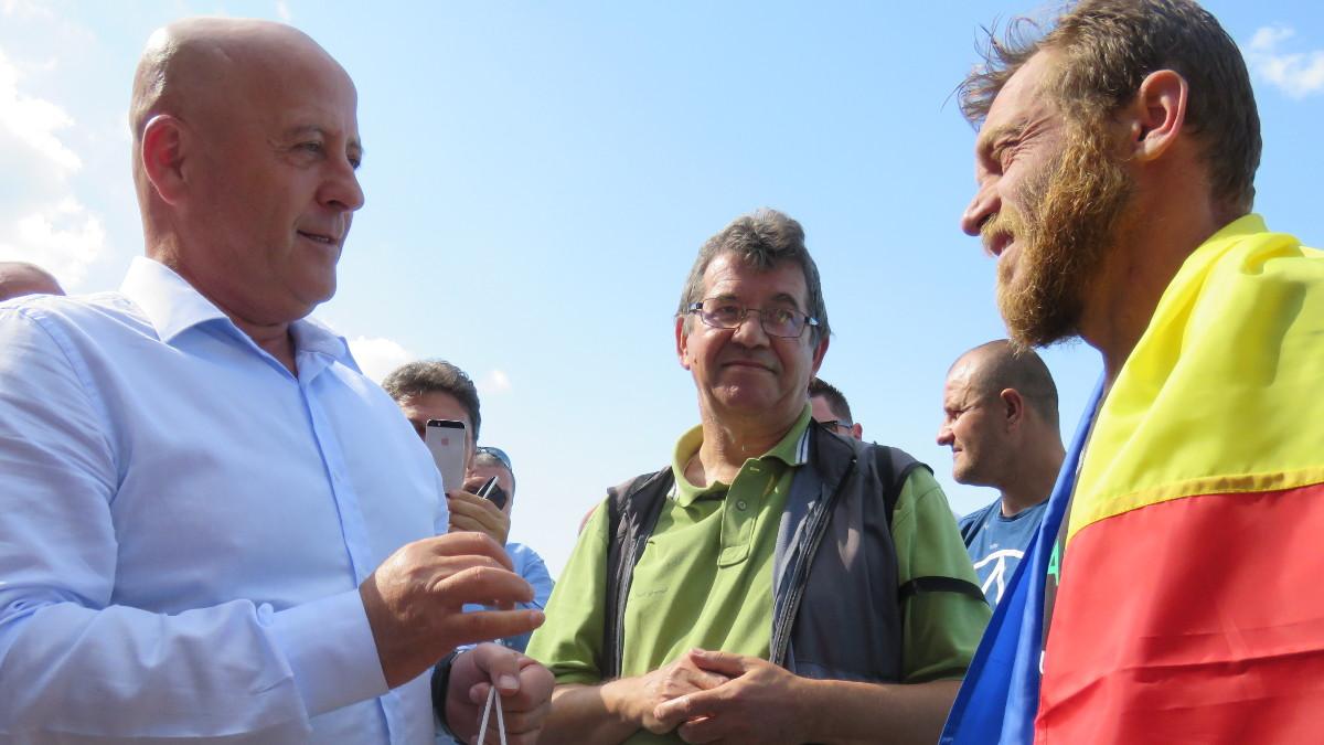 Avram Iancu a ajuns înot la Tulcea (1)