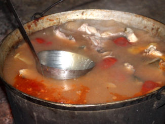 Borș de pește lipovenesc, direct din ceaun. FOTO TLnews.ro