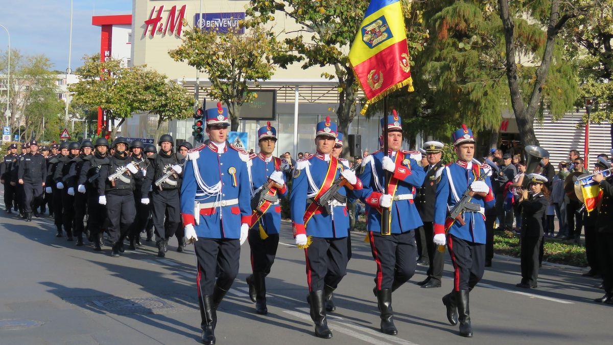Paradă militară în municipiul Tulcea. FOTO CJ Tulcea