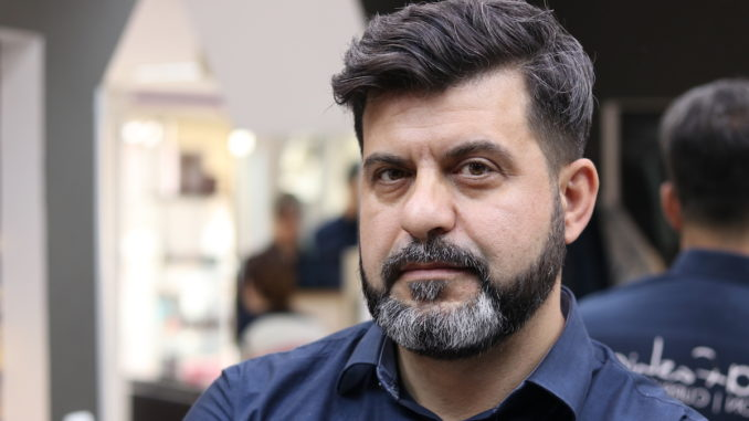 Daniel Albuleț, hairstylist și Manager Rina Fashion Tulcea. FOTO Adrian Boioglu
