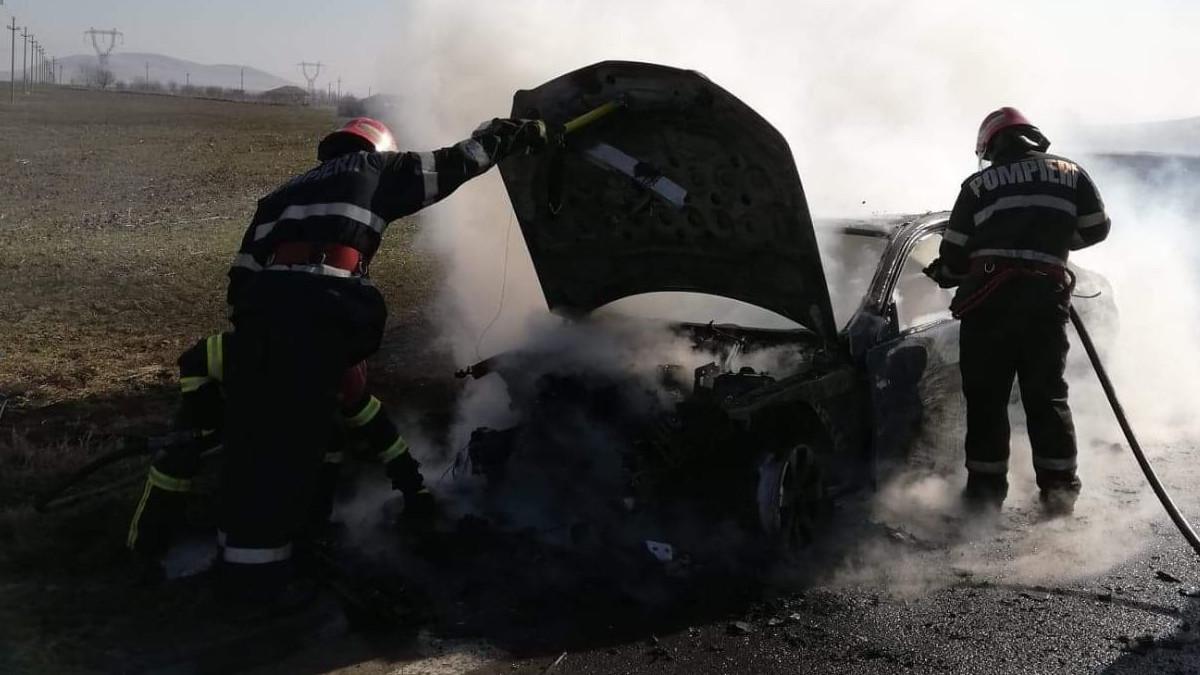 incendiu auto pompieri (1)
