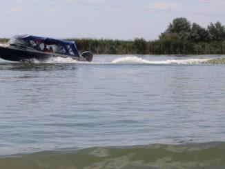 Navă cu pasageri în Delta Dunării. FOTO Adrian Boioglu / Arhiva TLnews