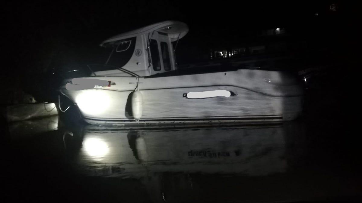 Ambarcațiune avariată în Delta Dunării. FOTO IPJ Tulcea