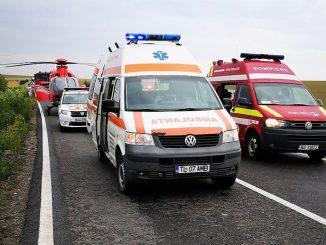 Un mort și doi răniți grav, într-un accident rutier petrecut pe DN 22, lângă Baia. FOTO ISU Constanța