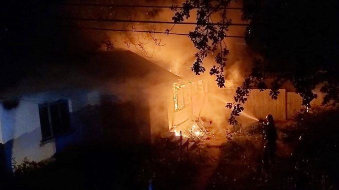 """Incendiu la o locuința în Slava Rusă. FOTO ISU """"Delta"""" Tulcea"""
