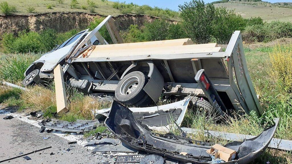 Constănțean rănit într-un accident rutier pe DJ 222 C, între localitățile Victoria și Beștepe. FOTO ISU Tulcea