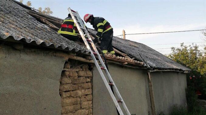 O bătrână din Slava Rusă a murit în casa cuprinsă de flăcări. FOTO ISU Tulcea